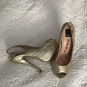 Dolce Vita size 9 gold heels